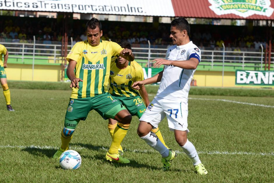 Ante la ausencia de José Manuel Contreras y Juan José Paredes; el capitán de los albos es Jairo Arreola.(Foto: Nuestro Diario)