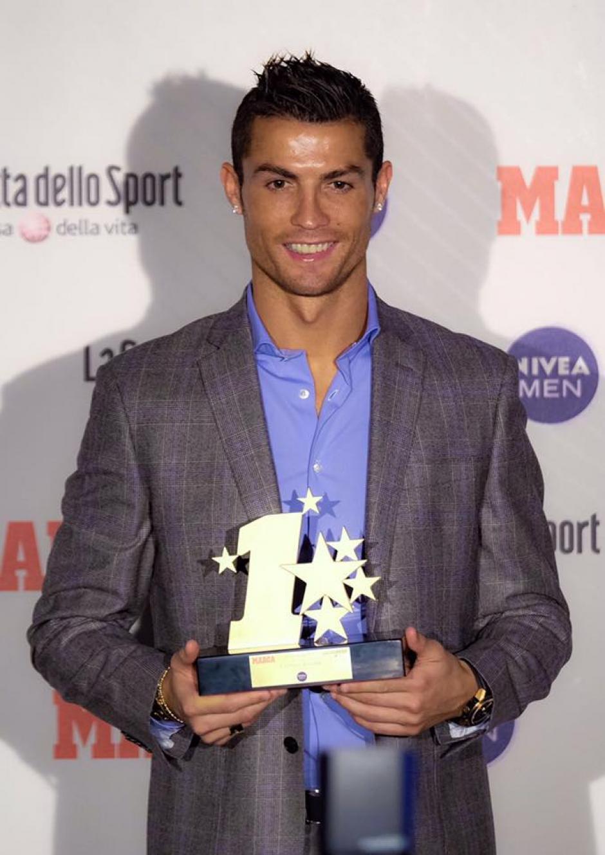 A inicios de octubre, CR7 recibió el premio de mejor jugador de la Champions League. (Foto: Facebook/Cristiano Ronaldo)