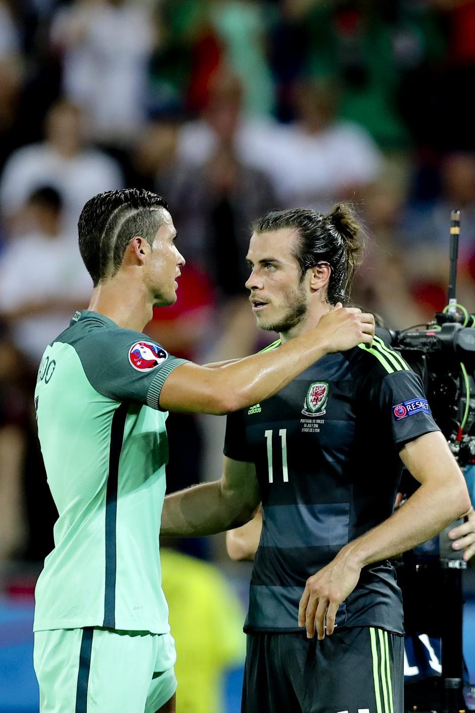 Las selecciones de Gales y Portugal se enfrentaron por el pase a la final. (Foto: EFE)