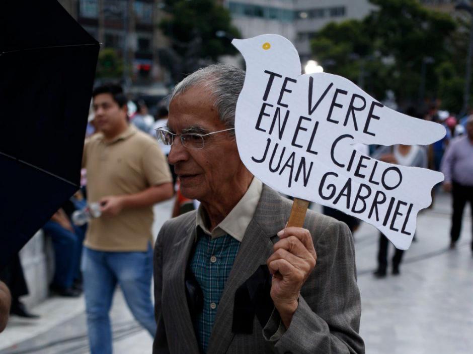 El pueblo mexicano se despide de Juan Gabriel. (Foto: Twitter)