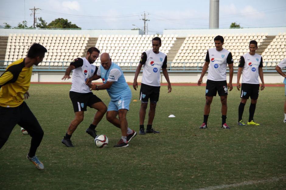 Claverí tuvo una gran identificación con los futbolistas nacionales. (Foto: Soy502)
