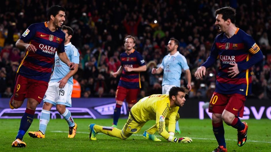 Messi celebra el gol de Luis Suárez con mucha sorpresa. (Foto: Marca)