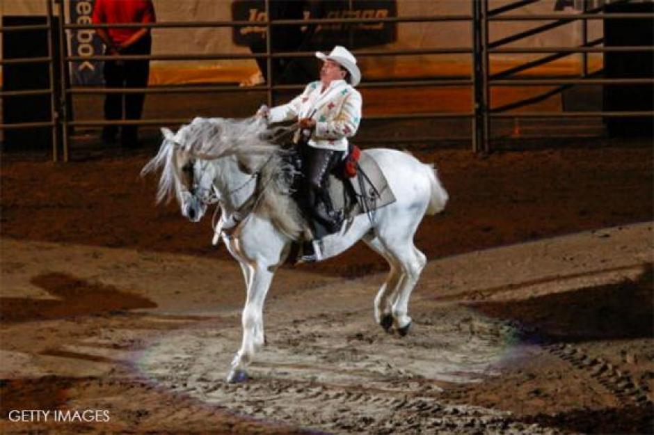 """Padrino"" el caballo consentido de Joan Sebastian, murió seis días antes que el interprete mexicano"