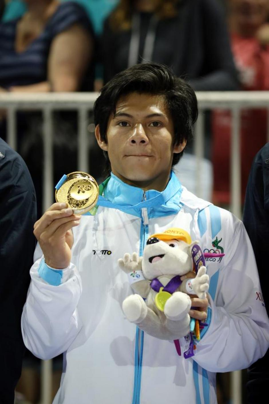 Una de las postales que deja este 2015; la medalla de oro del gimnasta Jorge Vega en los Juegos Panamericanos, de Toronto. (Foto: Archivo)