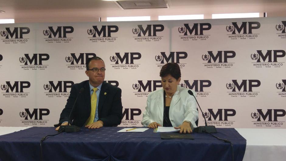 El ministro de agricultura se reunió con la Fiscal General Thelma Aldana. (Foto: MP)