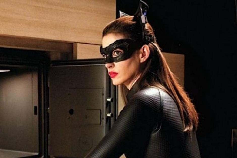 Seguramente miles de fanáticos esperan volver a ver a Anne Hathaway como Catwoman. (Foto: Twitter)
