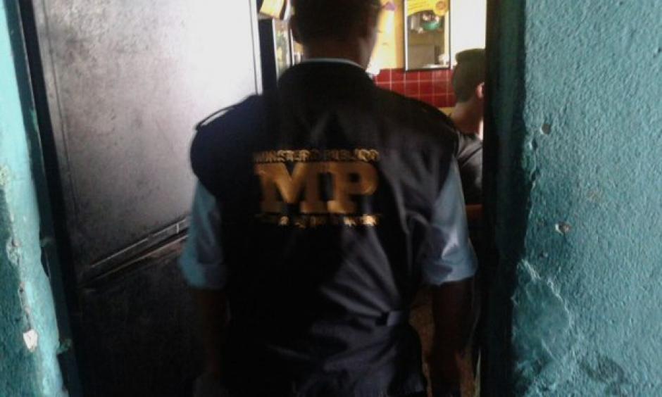 Operativos fueron realizados en varios puntos en la zona 4 capitalina para rescatar víctimas de trata de personas. (Foto: Policía Nacional)