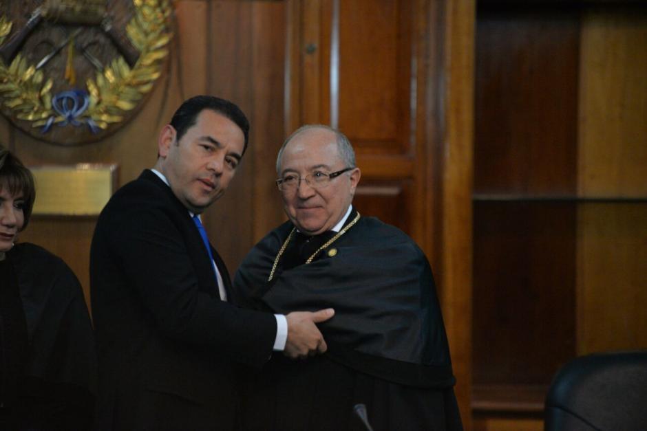 Así saludó Jimmy durante la asunción de Medina en el OJ. (Foto: Wilder López/Soy502)