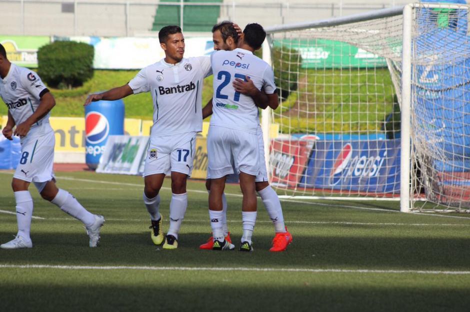 Contreras convirtió los dos penales en favor de los cremas. (Foto: Comunicaciones, página oficial)