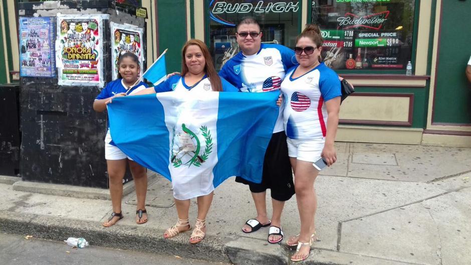 Muchos guatemaltecos participaron en el desfile de día de la independencia. (Foto: Cortesía Gerson Miranda)