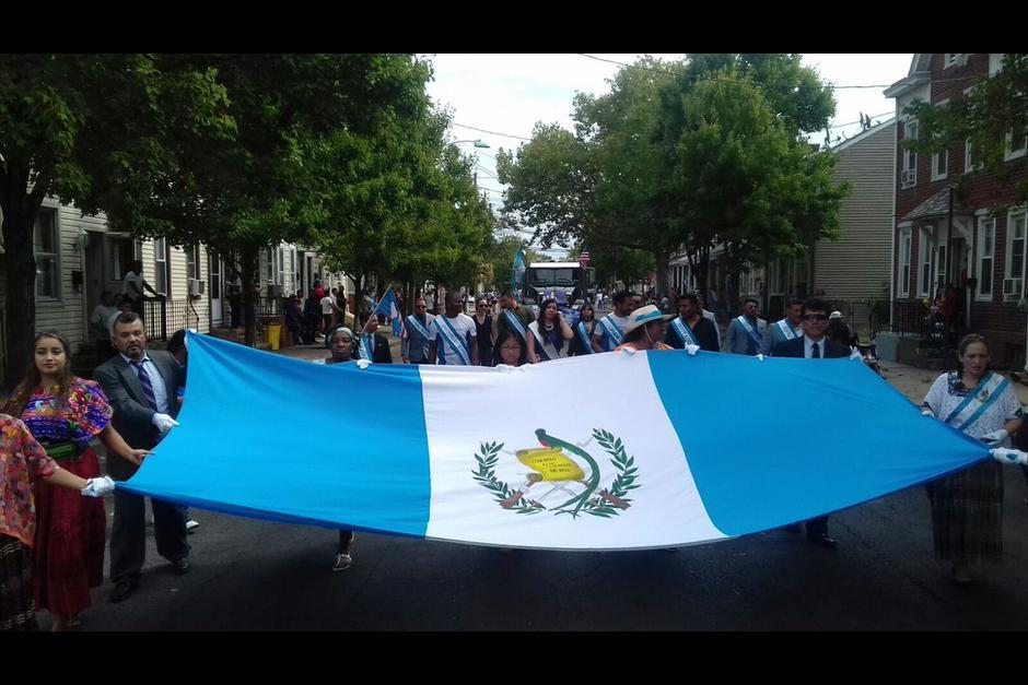 La bandera de Guatemala ondeó en New Jersey el tercer domingo de septiembre. (Foto: Twitter)