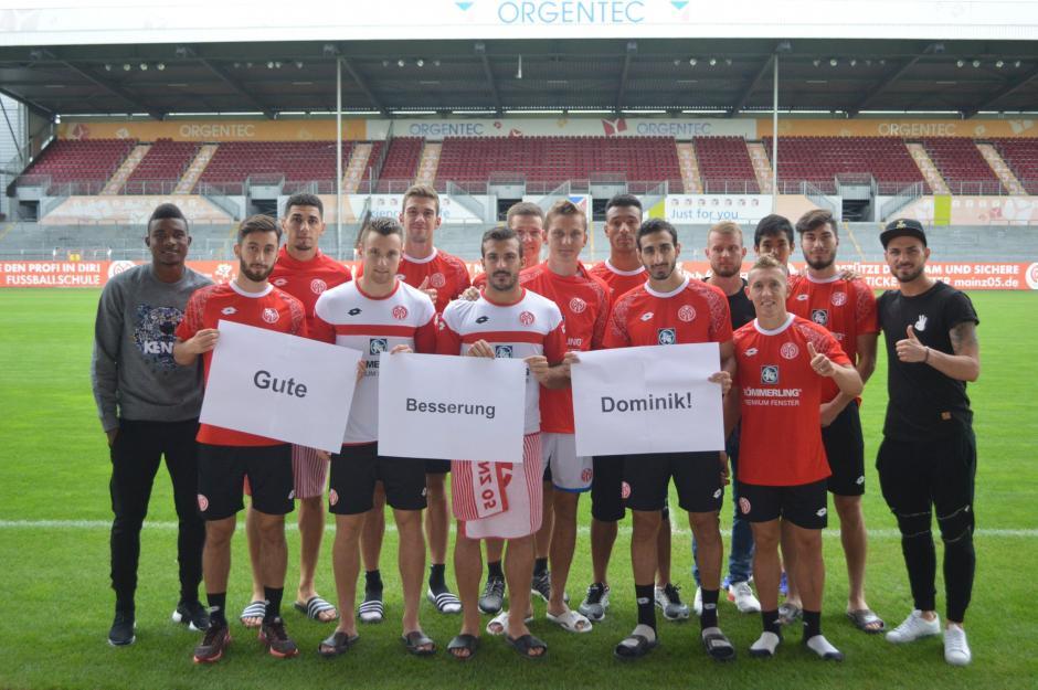 Los jugadores del Mainz enviaron un mensaje de apoyo a Dominik Kohr, jugador del Ausburgo. (Foto: AS)