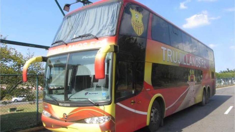 En este bus se traslada habitualmente el equipo venezolano. (Foto: Twitter)