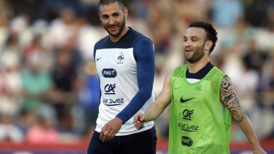 Benzema pasará la noche en prisión tras declarar acusado de chantajear a su compañero de selección, Mathieu Valbuena