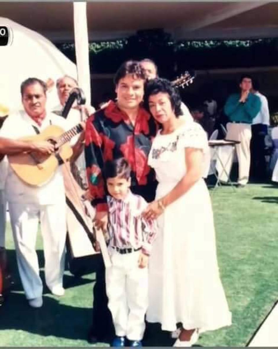 Juan Gabriel compartió con Luis Alberto Aguilera desde pequeño. (Foto: Twitter)