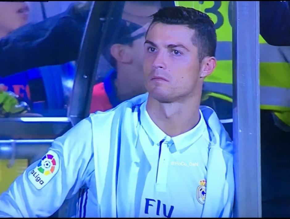 La cara de Cristiano Ronaldo en el banquillo. (Foto: Captura de imagen)