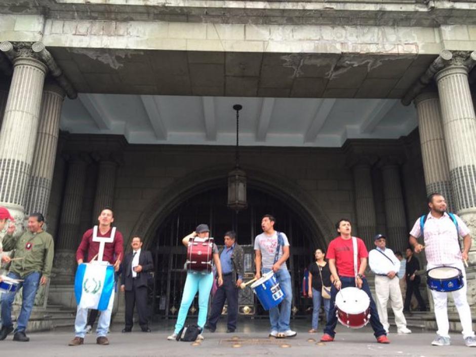 La Batucada del Pueblo es un colectivo autónomo que busca manifestar las demandas de la sociedad civil. (Foto Twitter/Justicia Ya)
