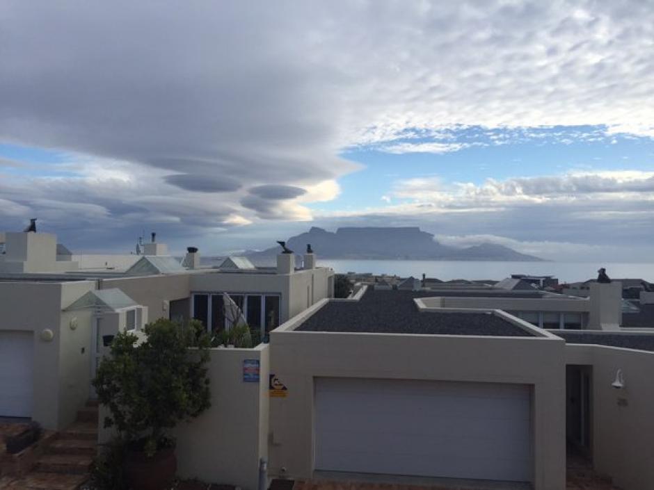 El fenómeno lleva el nombre de nubes lenticulares debido a su forma. (Foto: Google)