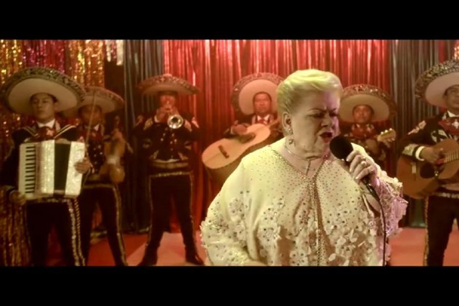 Paquita la del Barrio adapta canción para la serie Narcos. (Foto: Twitter)
