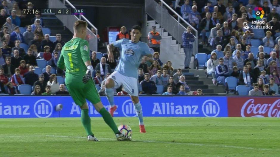 El momento del despeje de Ter Stegen que termina en gol del Celta. (Foto: Twitter)