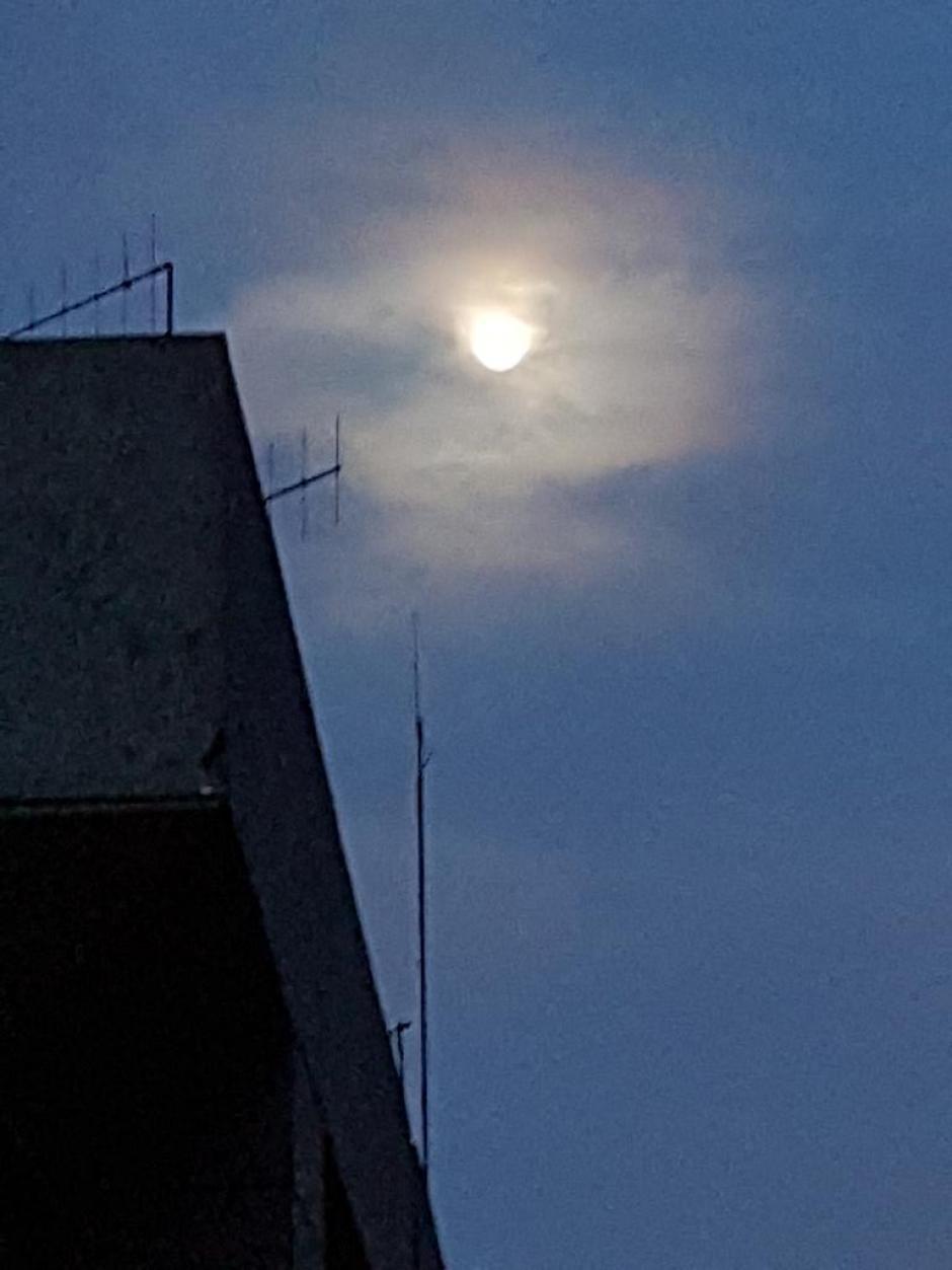 La superluna ocurre cada 15 o 20 años (Foto: @MakoBran /Twitter)