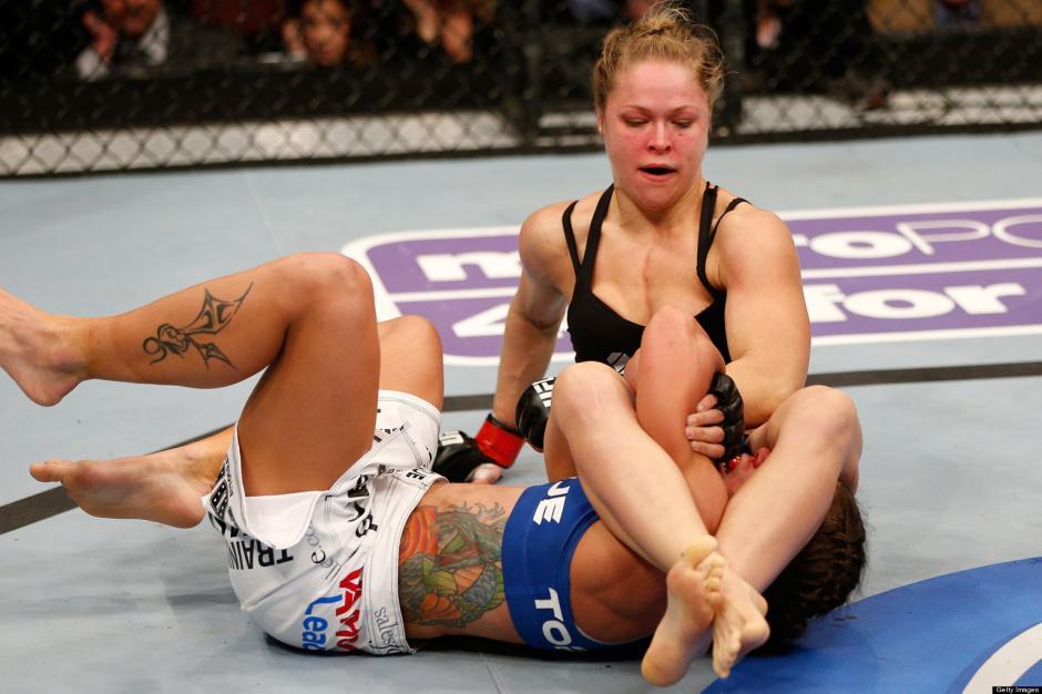 Ronda Rousey también es experta en llaves.(Foto: Internet)