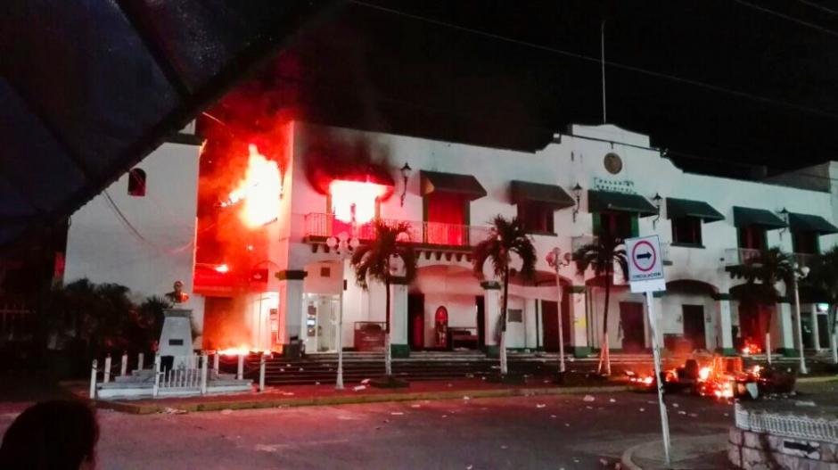 La situación provocó disturbios en Catemaco, Veracruz. (Foto: Cuarto Oscuro)