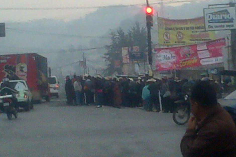 Cuatro Caminos fue bloqueado este miércoles por organizaciones sociales. (Foto. Radio Stereo100)