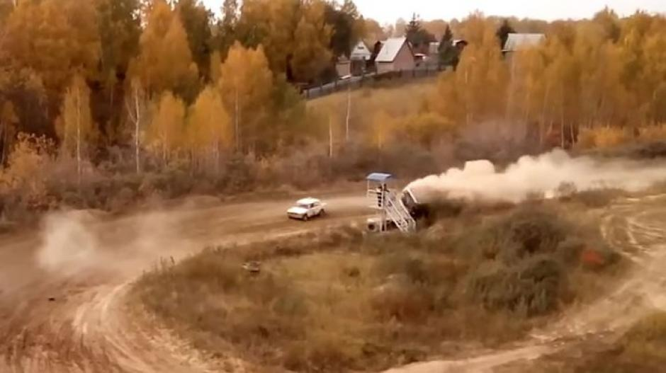 En el rally de Siberia sucedió este terrible accidente. (Foto: Captura de video)
