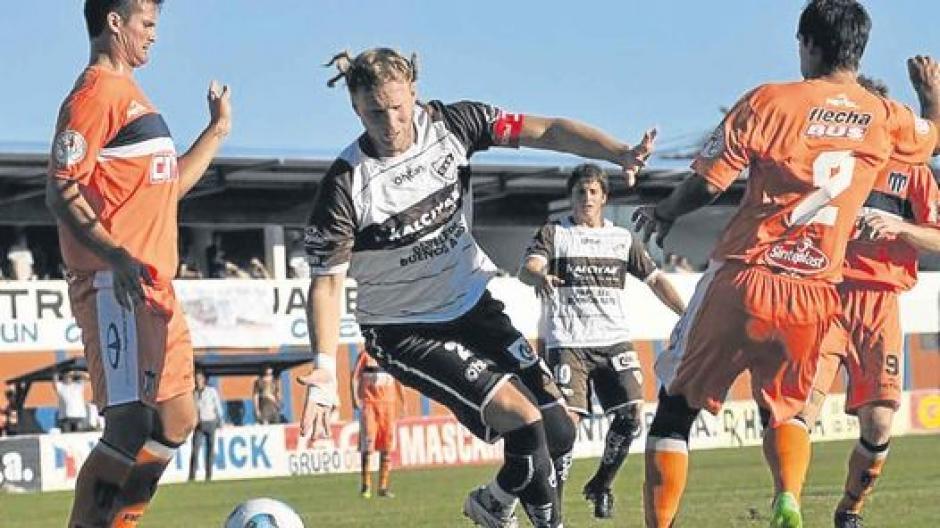 Gonzalo jugó gran parte de su carrera en Comunicaciones de Argentina. (Foto: Twitter)