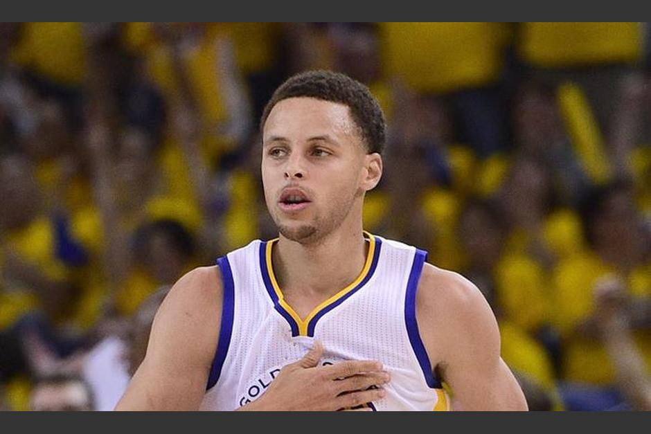 Curry podría estar ausente dos semanas en la NBA, su equipo, los Warriors están en playoffs. (Foto: NBA)