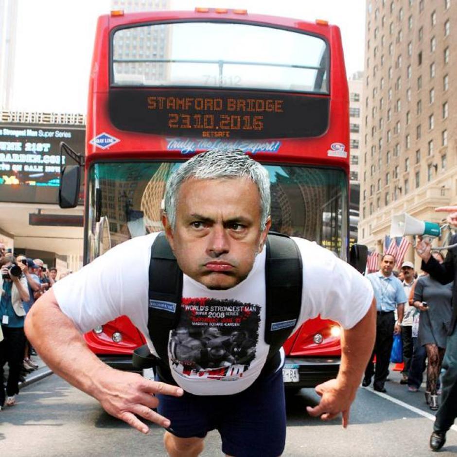 "Mourinho llevará el ""gran peso"" de la derrota del United. (Foto: Twitter)"