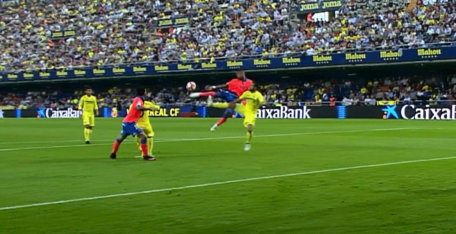 Prince Boateng anotó un golazo de antología. (Foto: Twitter)