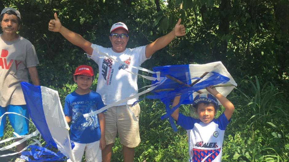 Aficionados de San Antonio, Suchitepéquez, acompañaron la Vuelta. (Foto: Nuestro Diario)