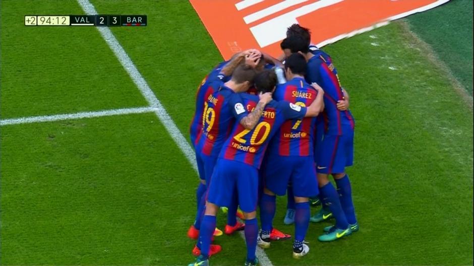 Neymar provocó al público y recibió un botellazo en la cabeza. (Foto: Twitter)