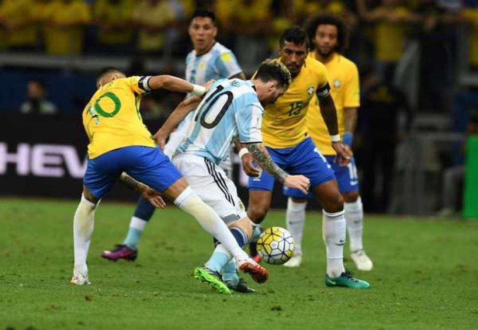 Messi apareció poco y no fue el conductor que Argentina necesitaba. (Foto: Twitter)
