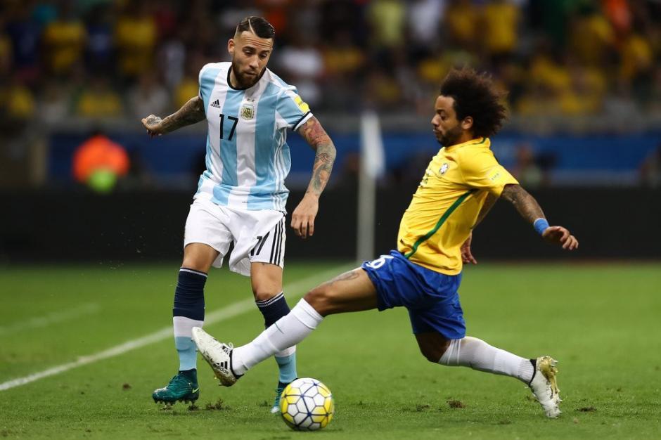 Marcelo como siempre cumplió en la banda izquierda de Brasil. (Foto: Twitter)