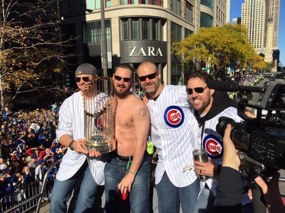 Todo el mundo gozó en el desfile del triunfo. (Foto: Cubs)