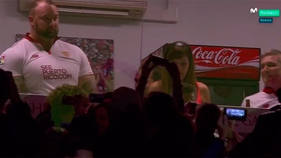 Todos elnoquecieron al ver al elenco de Juego de Tronos en el Sánchez-Pizjuán. (Foto: Sevilla)
