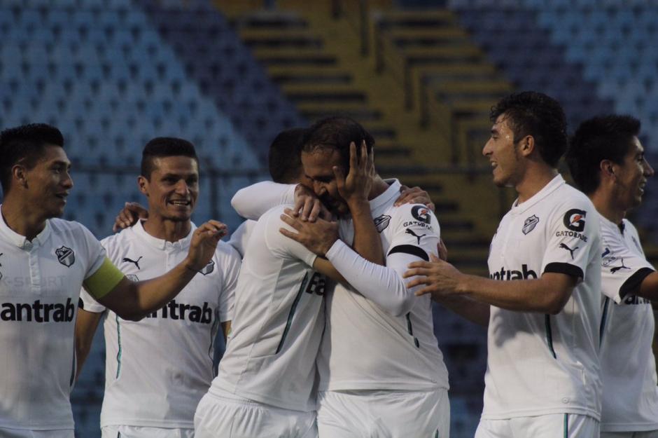 El Moyo Contreras se fue con gol y  asistencia. (Foto: Twitter@CremasOficial)