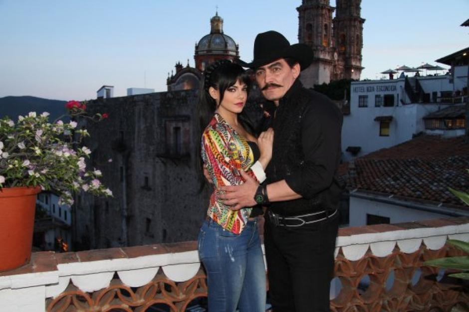 José Manuel Figueroa igualito a Joan Sebastian en la caracterización de la serie homenaje al Rey del Jaripeo. (Foto: Televisa)
