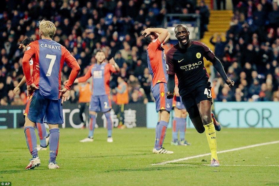 Yayá Touré marcó doblete y le dio el triunfo al City sobre el Crystal Palace. (Foto: Twitter)