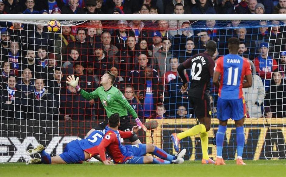 Este fue el primero gol de Touré que no jugaba desde agosto. (Foto: Twitter()