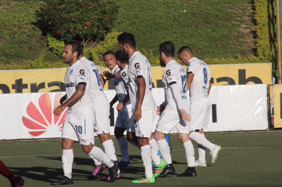 Los albos abrieron la fecha 20 del torneo Apertura 2016 de la Liga Nacional. (Foto: Comunicaciones FC)