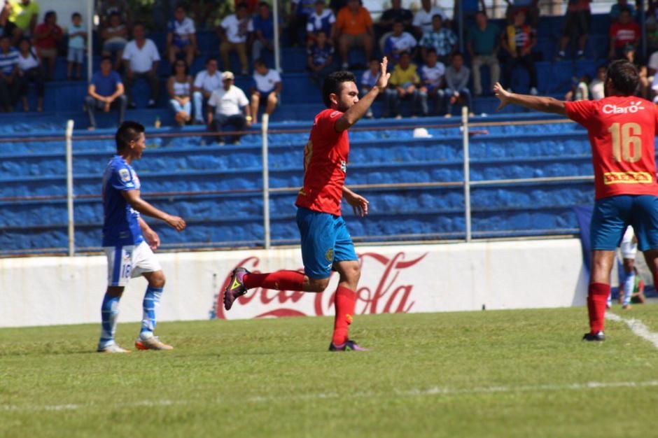Municipal con doblete de Kamini y un gol más de Guerra venció 3-2 a Suchitepéquez. (Foto: Espacio Futbol)