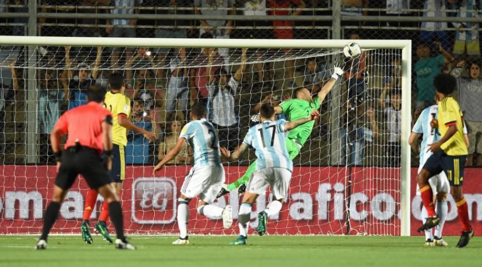 Así fue el golazo de tiro libre de Messi. (Foto: Twitter)