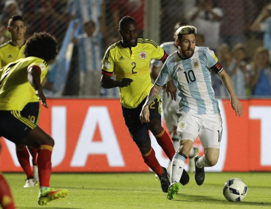 Messi marcó un golazo y brindó la asistencia para el segundo tanto, en el triunfo parcial de Argentina 2-0 sobre Colombia. (Foto: Twitter)
