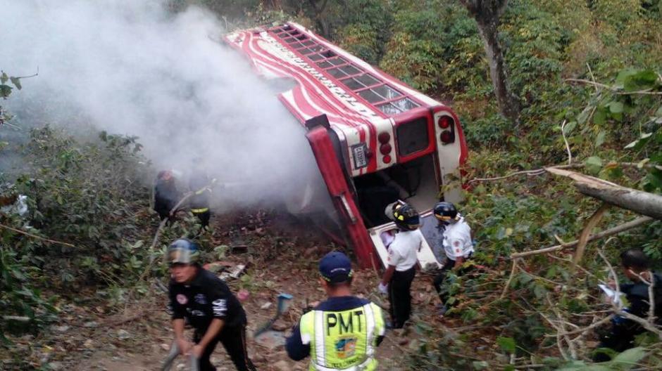 Se reportan 35 heridos y un fallecido. (Foto: Bomberos Voluntarios)