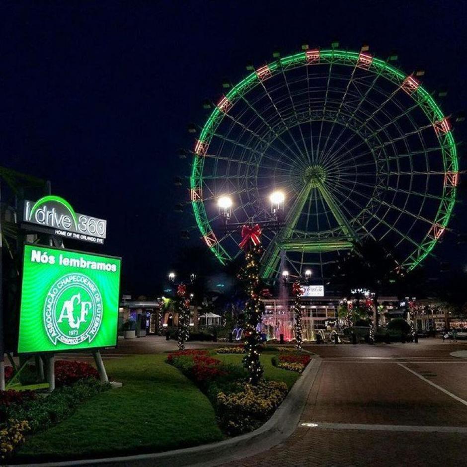 El Orlando Eye también se iluminó de verde en honor a Chapecoense. (Foto: Twitter)