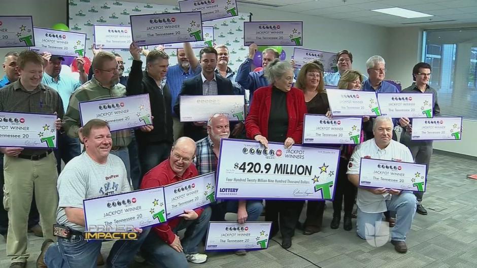 Ellos son los 20 empleados que ganaron 420 millones en el power ball. (Imagen: Captura de video)